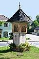 Krumpendorf Hauptstrasse Nischenbildstock Kochkreuz 23082010 02.jpg