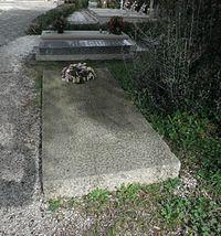 Lápida de Camilo José Cela Trulock.jpg
