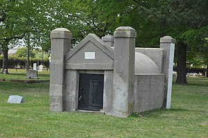 Elmwood Cemetery (Norfolk, Virginia) - Mausoleum in the southwestern quadrant