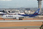 LAN Boeing 767-300; CC-CDM@LAX;18.04.2007-463ci (4270872638).jpg