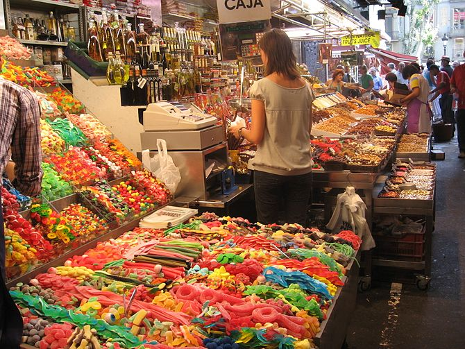 Mercat de la Boqueria, sweets and dried fruits