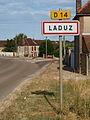 Laduz-FR-89-panneau d'agglo-01.jpg