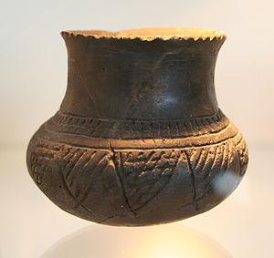 Rössen culture - Pottery
