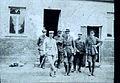 Le commandant Félix de Vial avec les observateurs Britaniques septembre 1915.jpg