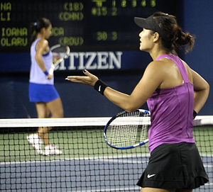 Li Na and Ioana Raluca Olaru at the 2009 US Open