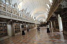Library of the Convent of Mafra.JPG