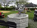 Linz-StMagdalena - Nixenbrunnen - von Max Stockenhuber.jpg