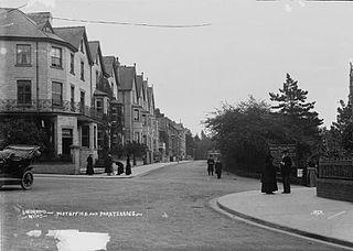 Llandrindod Wells - post office and Park Terrace