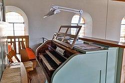 Lonsee Radelstetten Martinskirche Orgel Manuale 2020 04 09.jpg