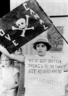Love Canal protest.jpg