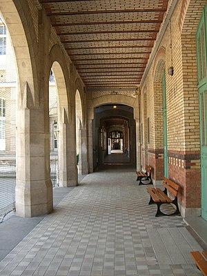 Lycée Buffon - Image: Lycée Buffon 1
