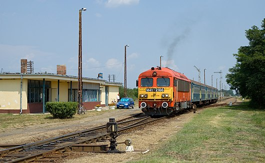 MÁV M41 at Hodász.jpg