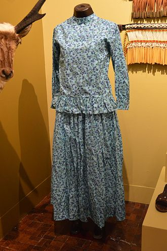 Mayo people - Customary, everyday dress worn by Mayo women, displayed at the Museo de Arte Popular in Mexico City.