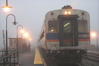 Brunswick station (Maryland) - Image: MARC cab car 7747 at Brunswick station on a foggy morning, 2001