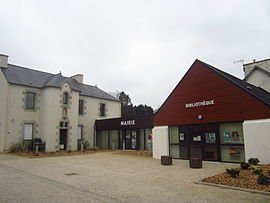 The town hall in Plougar