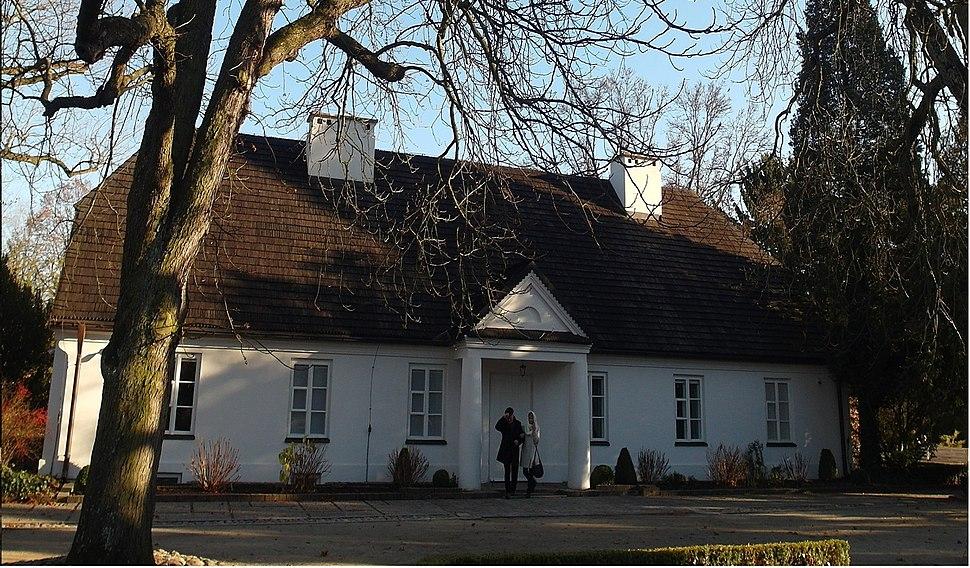 Manor house in Żelazowa Wola