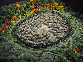 Hochelaga (village) - Image: Maquette du village d'Hochelaga