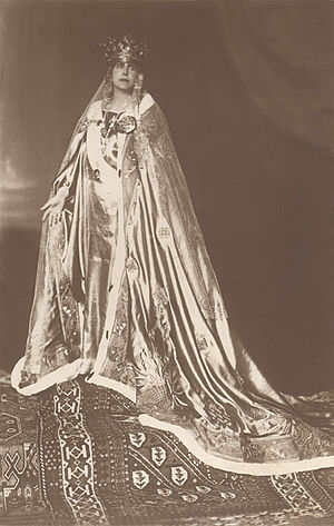 Regalia of Romania - Coronation portrait of Queen Maria wearing the Romanian Crown of Queen Maria