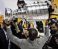Mario Lemieux raising Stanley Cup 2017-06-11 16203.jpg