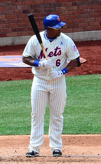 Marlon Byrd - Byrd with the Mets in 2013