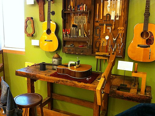 Martin Guitar workshop, MIM PHX