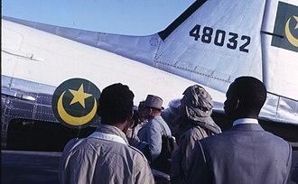 Military of Mauritania - Mauritanian Douglas C-47A Dakota in the Sahara.