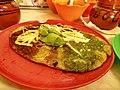 Memela con quesillo en Puebla 3.jpg