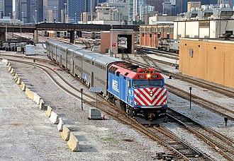 SouthWest Service - Image: Metra South West Service 827