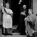Mgr Bekkers en Mutsaers (1960).jpg