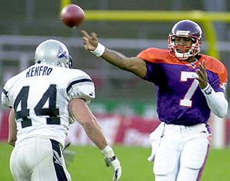 NFL Europe - Frankfurt's Michael Bishop passing against Scotland, 2001