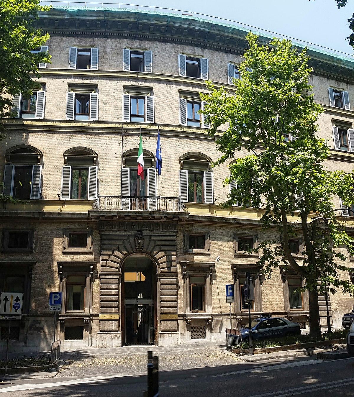 Ministero del lavoro e delle politiche sociali wikipedia for Complementi d arredo via veneto