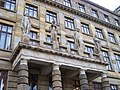 Ministerstvo průmyslu a obchodu, Klášterská, sochy.jpg