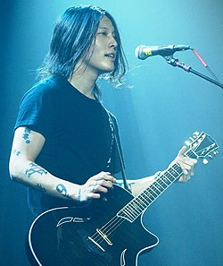 Miyavi in concerto all'Irving Plaza di New York nel 2011.