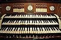 Mochenwangen Pfarrkirche Orgel Spieltisch 2.jpg