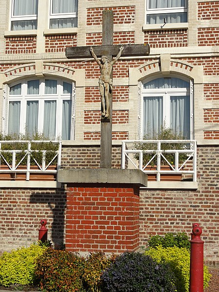 Monceau-le-Waast (Aisne) calvaire rue de l'église