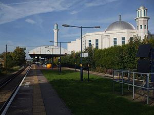 Baitul Futuh Mosque - Image: Morden South stn look north to mosque