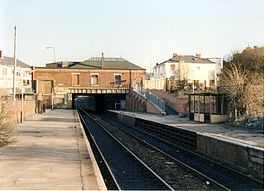 Moses Gate railway station in 1989.jpg
