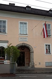 Tanzmeisterhaus [de], Salzburg, Mozart family residence from 1773; reconstructed 1996 (Source: Wikimedia)