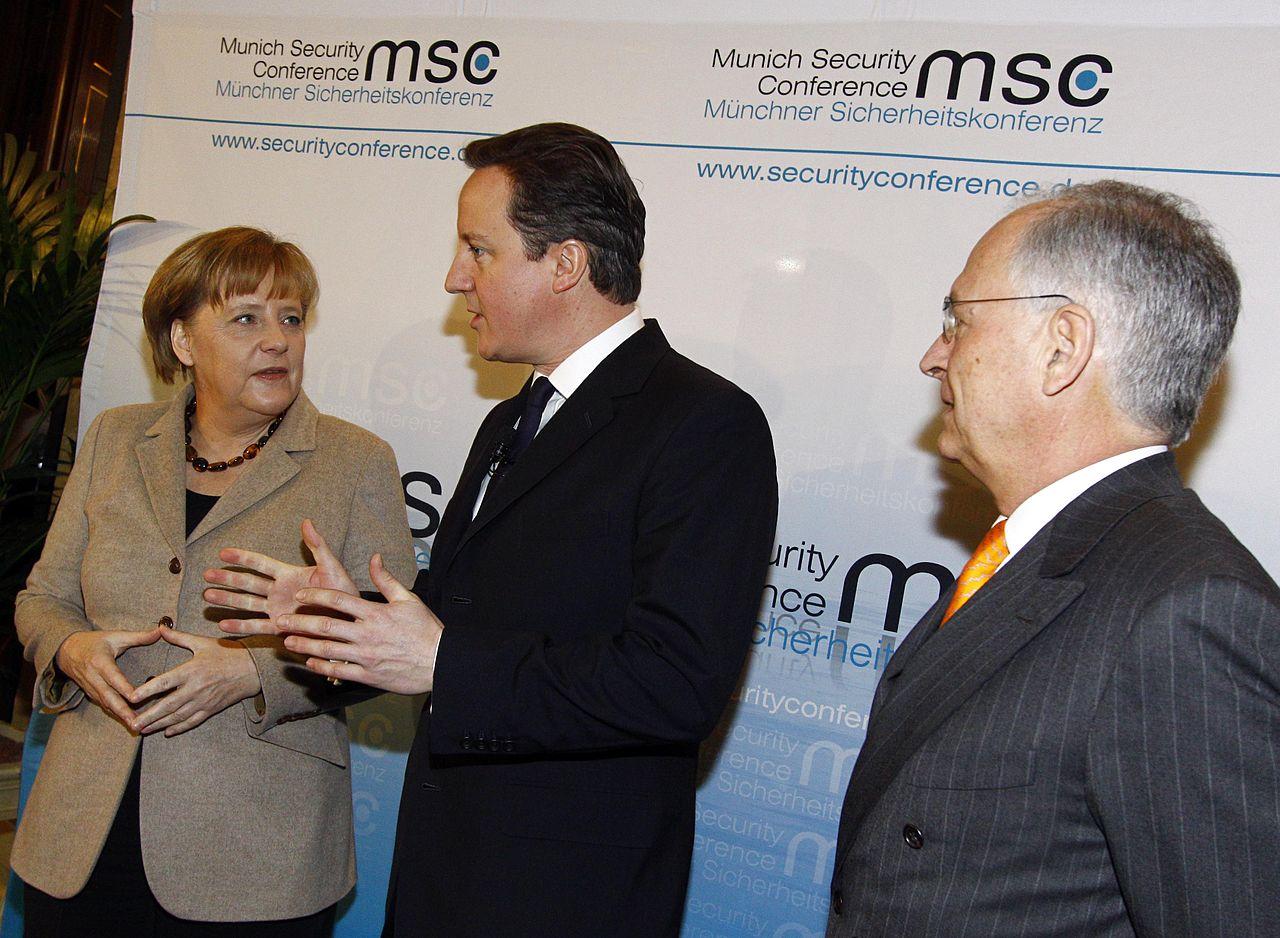 Msc2011 SZ 002 Merkel Ischinger Cameron.jpg