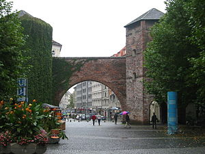 Sendlinger Straße - Sendlinger Tor with Sendlinger Straße in the background