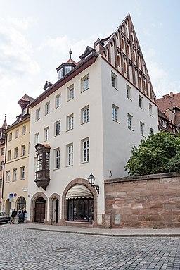 Nürnberg, Weinmarkt 2 20170821 003