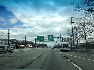 New Jersey Route 4 - Route 4 eastbound approaching Route 17 interchange in Paramus