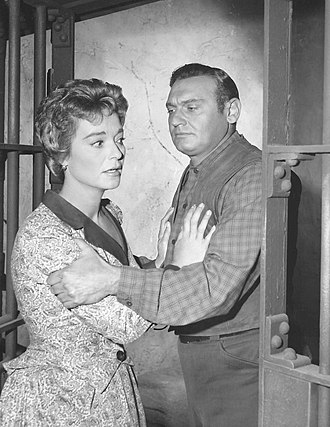 Frankie Laine - Nan Grey and Frankie Laine in a scene from Rawhide, 1960