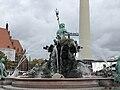 Neptunbrunnen 049.jpg