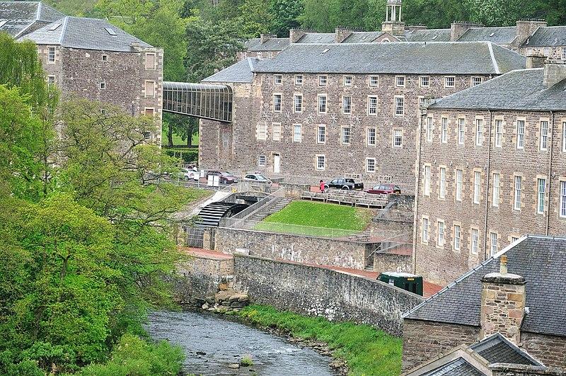 File:New Lanark showing waterwheel. River Clyde in foreground (3538776998).jpg
