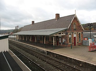 Newtown railway station (Wales) - Image: Newtown (Powys) railway station in 2008