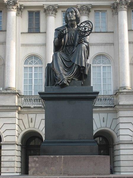 http://upload.wikimedia.org/wikipedia/commons/thumb/6/6d/Nicolaus_Copernicus_Varsovia.jpg/450px-Nicolaus_Copernicus_Varsovia.jpg