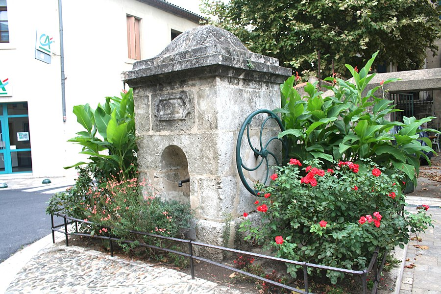 Nissan-lez-Enserune (Hérault) - fontaine