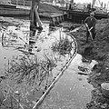 Normalisatie van beken, graven en dempen van sloten, leggen riolering, duikers e, Bestanddeelnr 162-0373.jpg