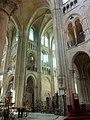 Noyon (60), cathédrale Notre-Dame, croisée du transept, vue diagonale vers le sud-est.jpg